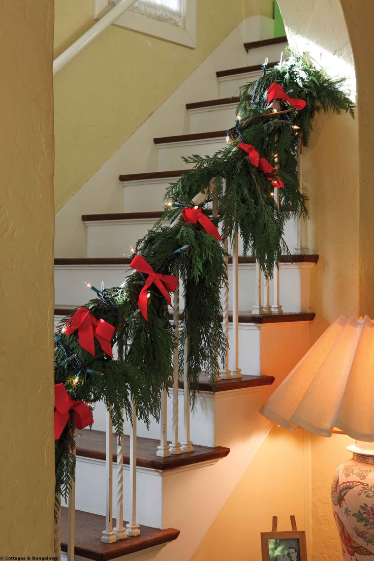59 best christmas staircase banister holiday decorating for How to decorate a banister