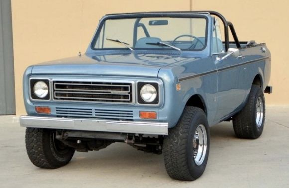 I will have one of these one day!  1977 International Scout II Harvester 4x4