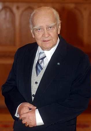 Körmendi János (1927-2008) Kossuth-díjas magyar színművész, érdemes és kiváló művész.