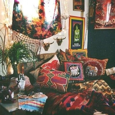 Hippie bedroom trippy bedroom pinterest bohemian for Bohemian bedroom ideas pinterest