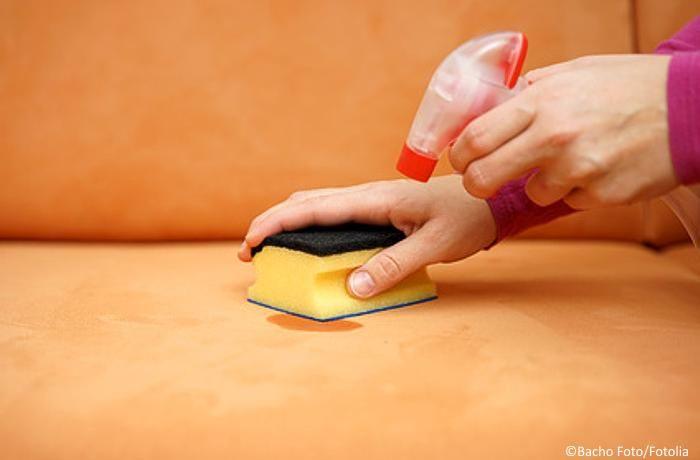Salz, Alkohol & Co - viele Flecken lassen sich problemlos mit diesen Hausmitteln entfernen. Es muss nicht immer Chemie sein!