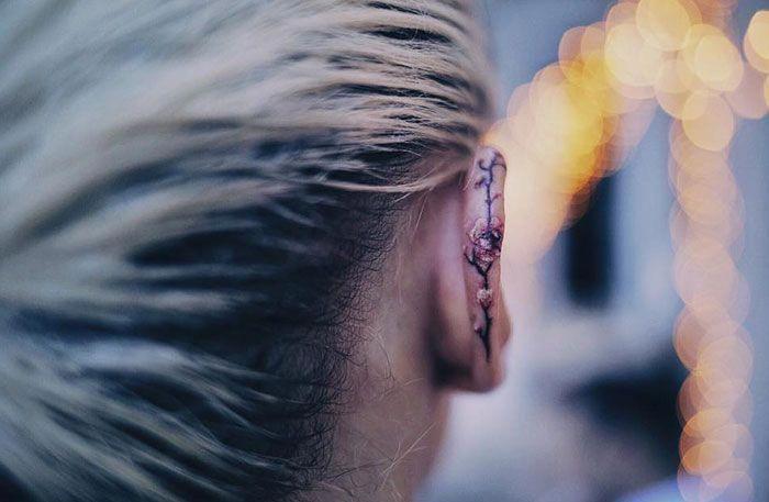 Mein neues Ohr Tattoo – Kirschblüten