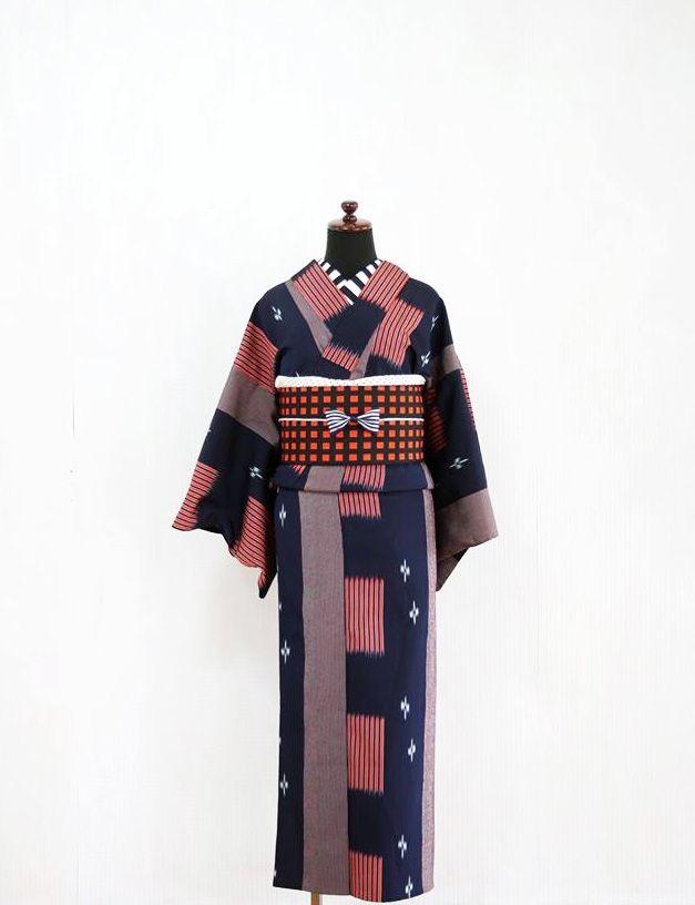 昭和な着物と可愛いパターンを合わせてモダンスタイル