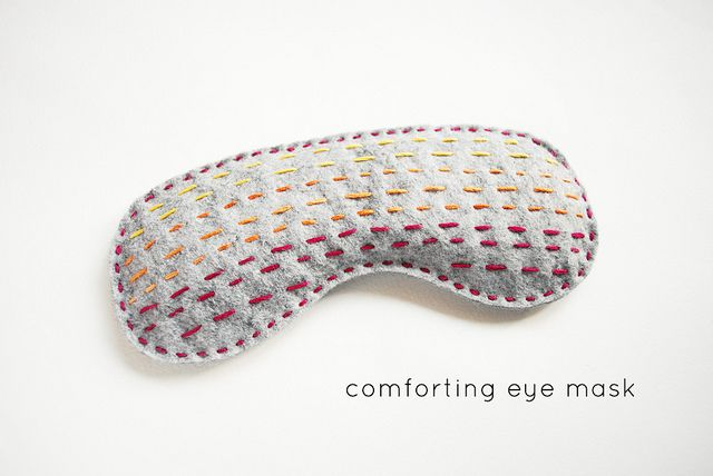 DIY: comforting eye mask: Eyemask, Sleep Masks, Crafts Ideas, Cozy Projects, 30 Quick, Felt Sleep, Comforter Eye, Eye Masks, Eyes