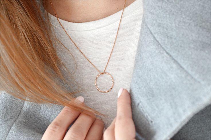 Biżuteria z różowego złota - profesjonalnie o biżuterii: http://laoni.pl/bizuteria-z-rozowego-zlota