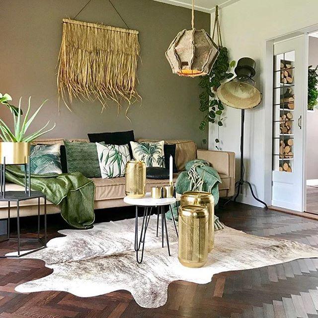 Green Gold Photo Via Sabinelamet Interior Feed Green Living Room Decor Golden Living Room Living Room Green