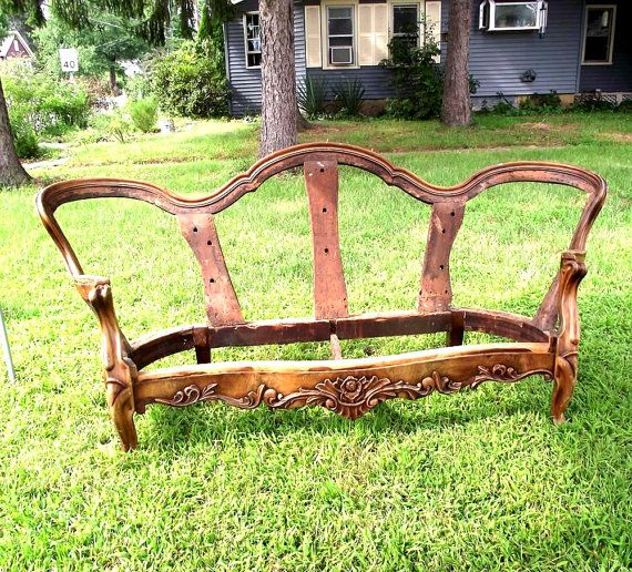 Victorian Settee Sofa Frame. DIY Brute Upholstery. PUO $150