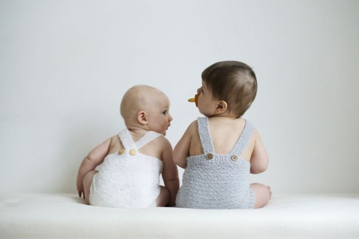 BACK BUTTONED: Probably Norway's, and may be even Scandinavia's, most knitted baby romper. Finally it is now available online, this time up to 3 years!