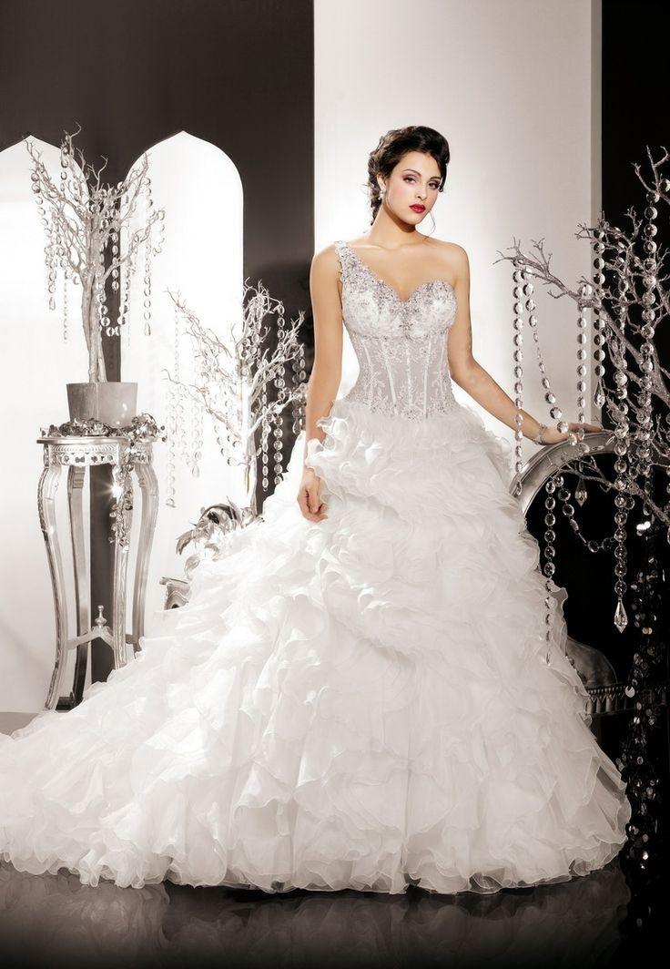 The 18 best Hochzeitskleid images on Pinterest   Short wedding gowns ...