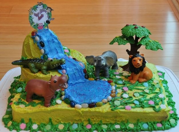 Your birthday cake was always animal themed. | 32 Childhood Signs That You Would Always Be Obsessed With Animals