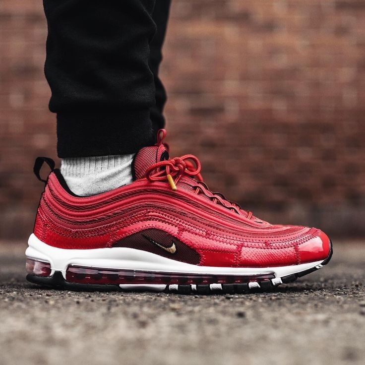 Nike Air Max 97 CR7 'Portugal Patchwork' | Soulier homme ...