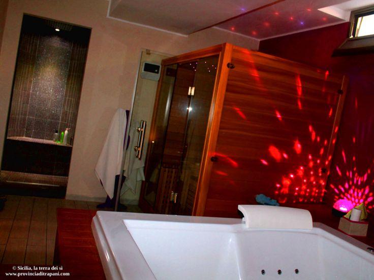 https://flic.kr/p/SVAVAn | Trapani - Villa Vacanze di Lusso con SPA | Sauna finlandese, doccia sensoriale, idromassaggio Finnish sauna, sensory shower, hydromassage