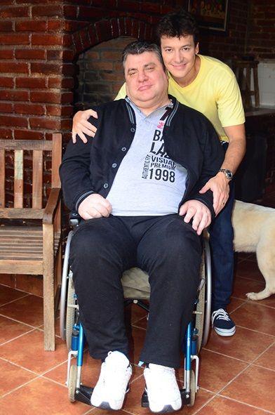 Rodrigo Faro reencontra Gerson Brenner 15 anos após o ex-ator ficar paraplégico http://r7.com/FcfL