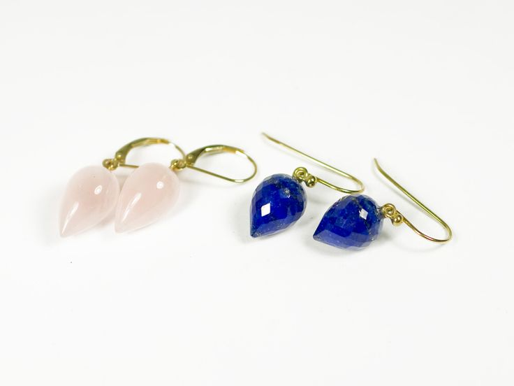 Size comparison: we only have one pair of these lapis gems and it's going to Ukraine ^^