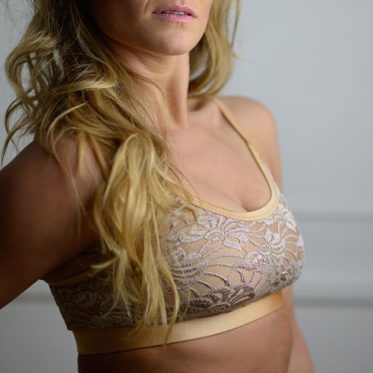 Ballet top gold/lace,  bra, top, Bikram yoga, yoga, pole dance, dance, competition, championship, leotard, active wear, fitness wear, swimsuit, gold, champagne, lace, siluetyogawear, madewithloveforyou, TWERK, workout