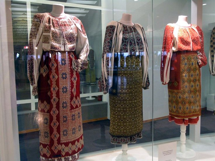 Traditional Romanian folk clothing - Arges