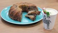 Bananenbrood en sapje van rabarber, koolrabi en appel | VTM Koken