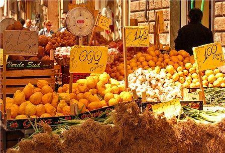 Ballarò Market - Palermo - Sicily - Italy. Il Giardino di Ballarò B&B. #fresh #sicilian #food #oranges