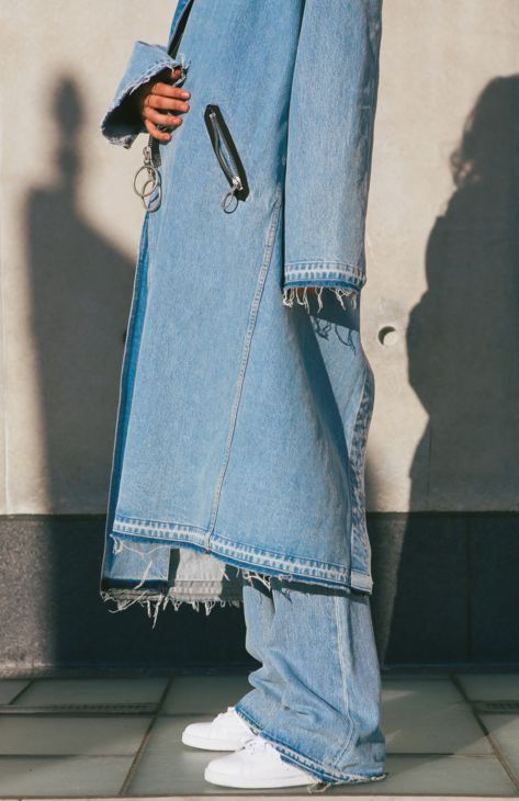 Oversized and frayed. This is a double-denim look from our collaboration with Virgil Abloh on Levi's Made & Crafted x Off-White.