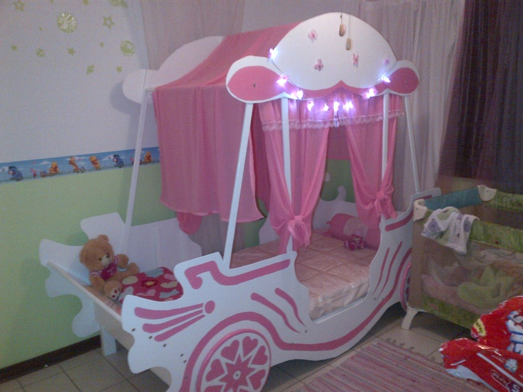 Carridge bed for a princess, made by grandpa