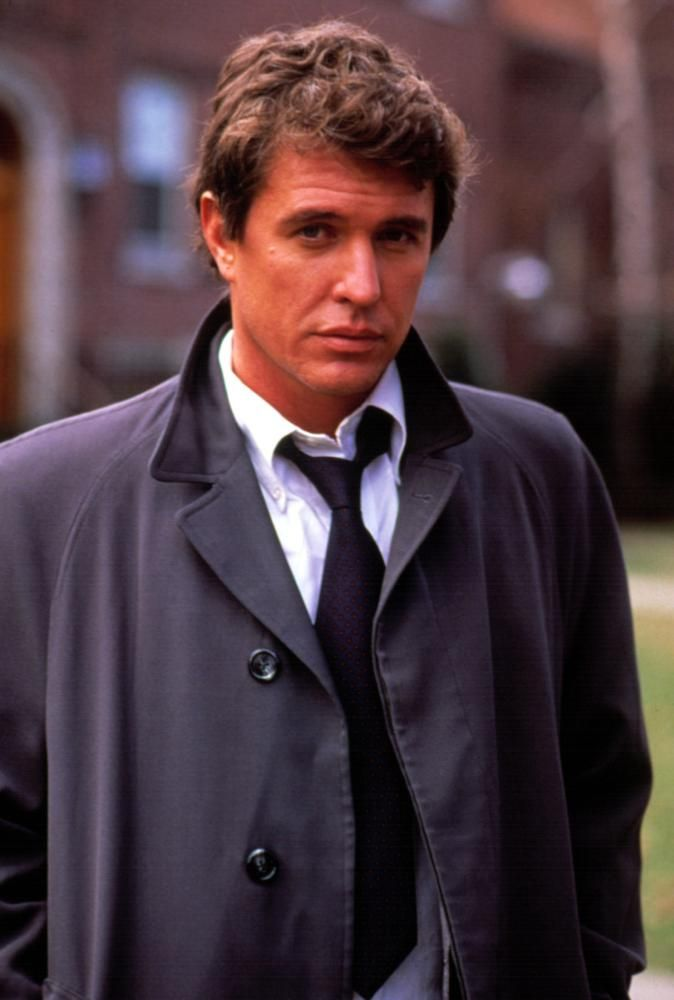 "Tom Berenger in ""Someone to Watch over Me"" (1987). DIRECTOR: Ridley Scott."