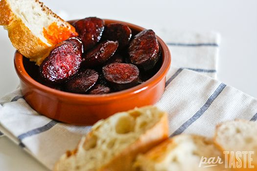 The most simple but decadant of Spanish Tapas - Chorizo al Vino Tinto » World Recipes by parTASTE