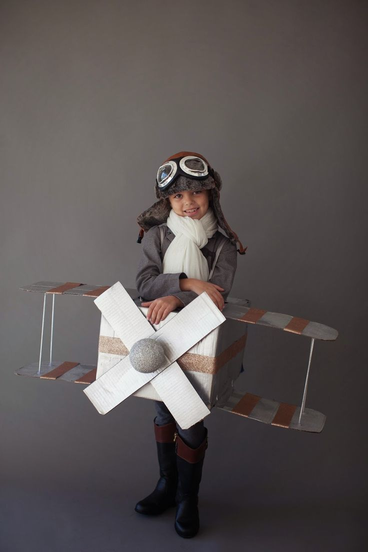 Darling Amelia Earhart Halloween costume