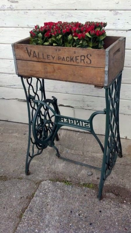 60 Ideas To Recycle Your Old Sewing Machines Upcycled Furniture