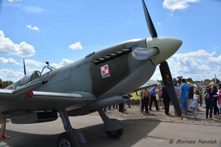 Spitfire Supermarine Mk.XVI TE184 na lotnisku wojskowym w Dęblinie (27 czerwca 2014), fot. Mariusz Karolak