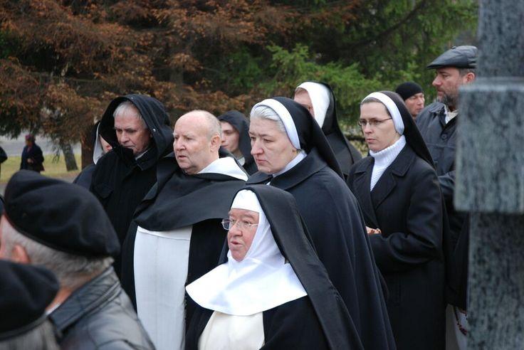 Pogrzeb o. Janusza Górzyńskiego OP w Rzeszowie (8.11.2006 r.) #pogrzeb #dominikanie #ludwik wiśniewski #siostry #rzeszów
