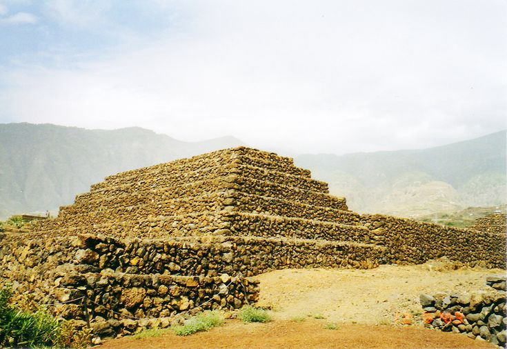 Pyramids of Guimar - Tenerife weather in May