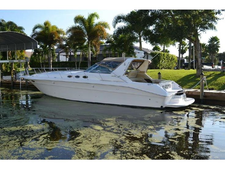 1998 Sea Ray 400 Express located in Florida for sale