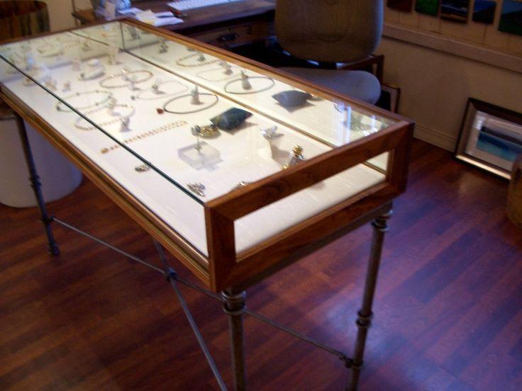 retail jewelry display cases | Fixturesgroup – Wood Display Cases : Jewelry Display Case : Retail