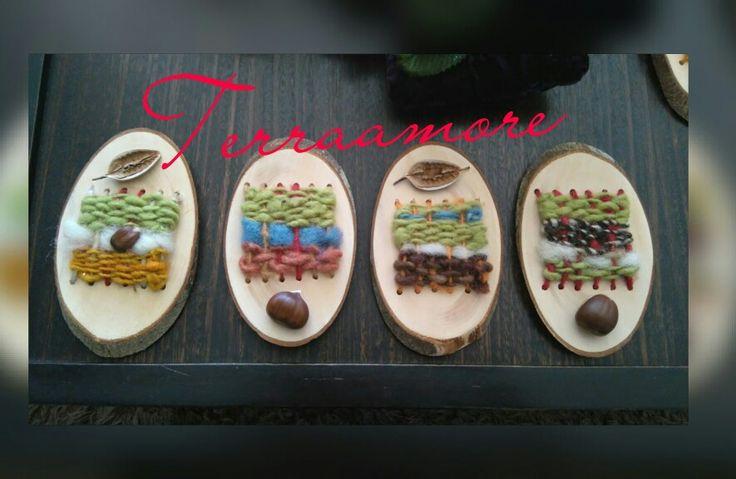 Telares decorativos pequeños con maderas mańio con lanas de ovejas