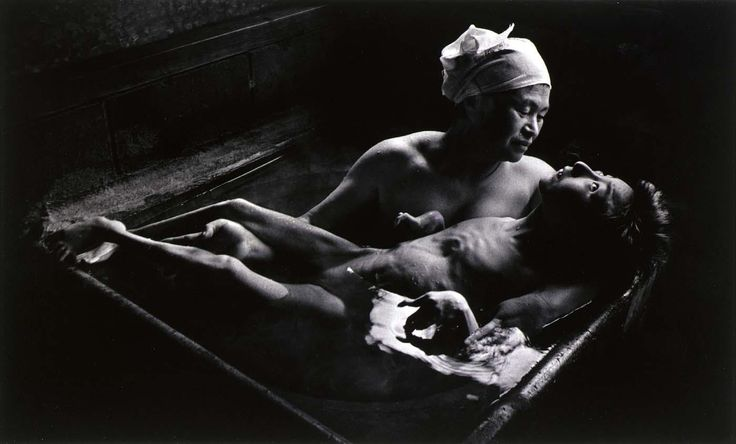 Tomoko in Her Bath Mother and daughter with Minamata Disease Japan 1971. Photographed by W. Eugene Smith. [1400x845] http://ift.tt/2gL6pQu