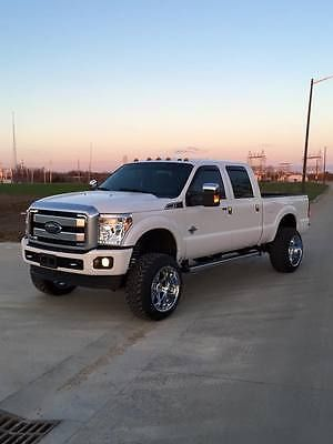 2015 Ford F-250 Super Duty Platinum Crew Cab Pickup 4-Door 6.7L LIFTED