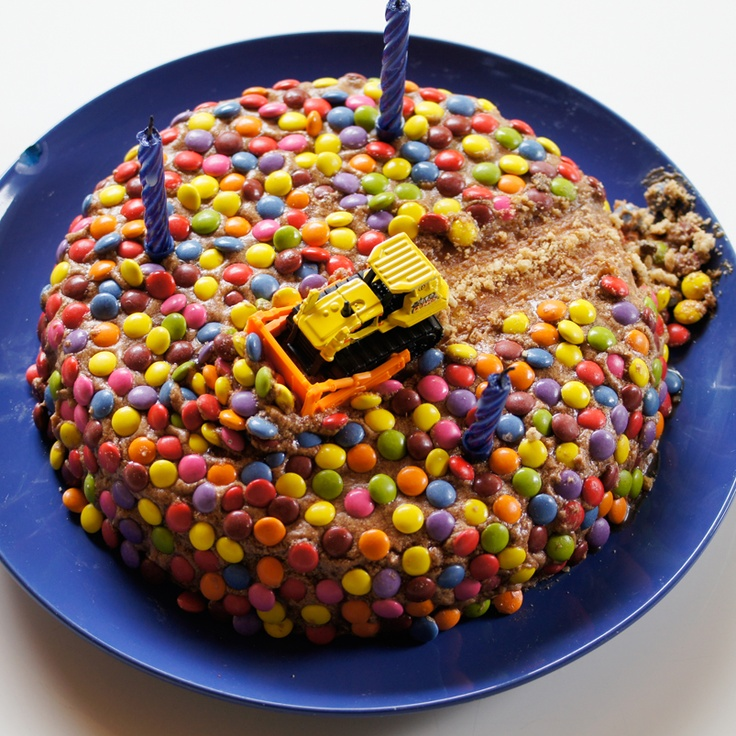 Bulldozer construction cake, made for my 3-year-old's birthday :)