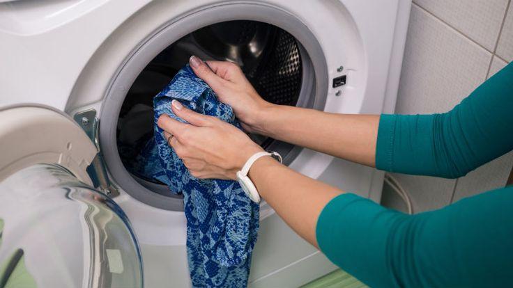 Trucos para arreglar ropa desteñida en la lavadora - Flota