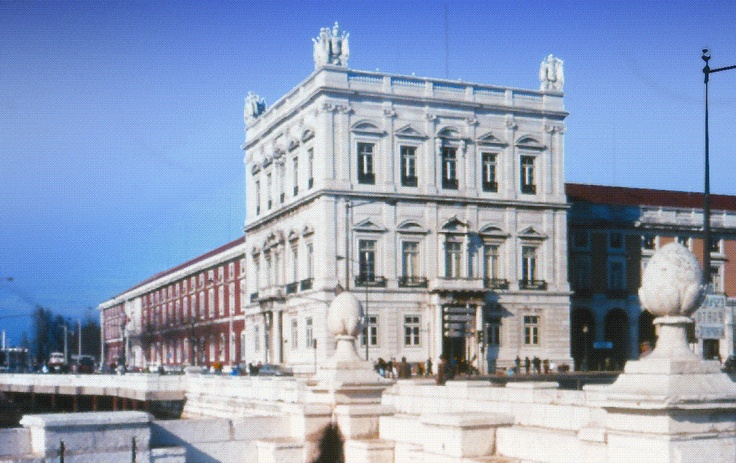 In 1769 A Stock Exchange Is Established In Lisbon House Styles Mansions Favorite Places