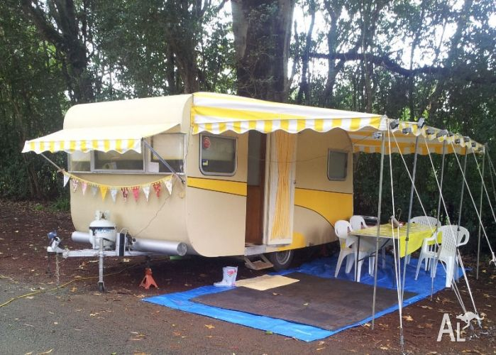 Vintage Bondwood Caravan For Sale In BOAT HARBOUR New South Wales