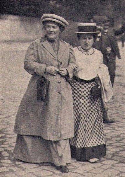 Клара Цеткин и Роза Люскембург - женщины, которые отчаянно боролись за права женщин.