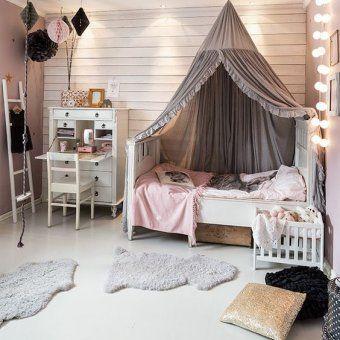 Chambre d'enfant rose et brun