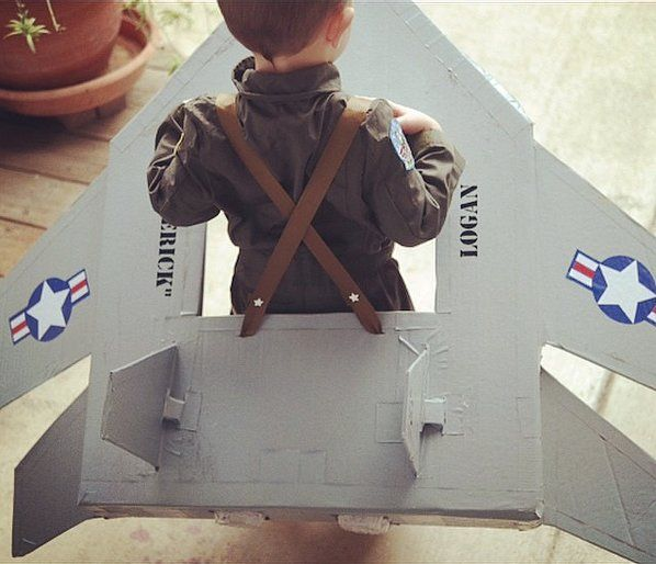 SO good!!! Fighter Jet + Pilot Costume! Image Source: Instagram user babybumpbeyond #HalloweenKids #Costume