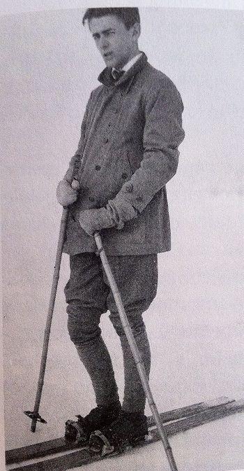 Albert Speer skiing.