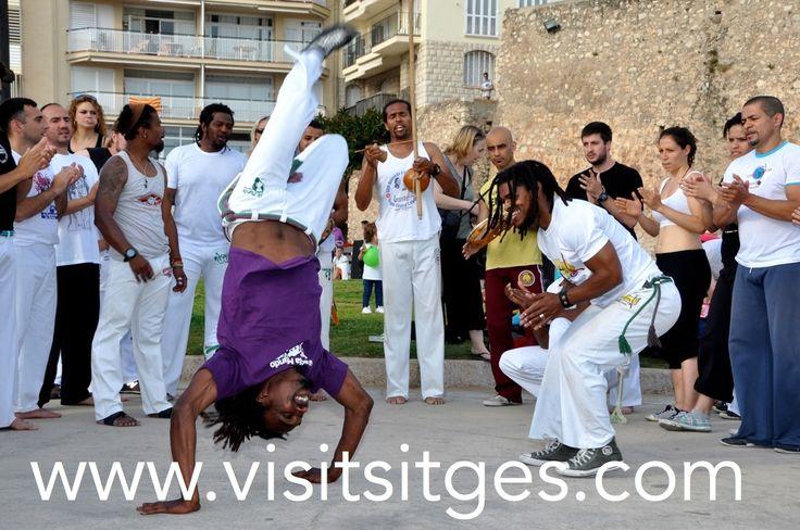 Kapoeira en la Fragata. Sitges. http://www.visitsitges.com/es/historia-de-sitges/turismo-sitges/fiestas-tradiciones