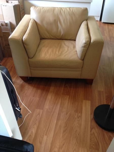 1 x leather armchair for sale Great condition Width 115cm, depth 90cm, height 74cm Selling due to house move Pick up only, 1146571224