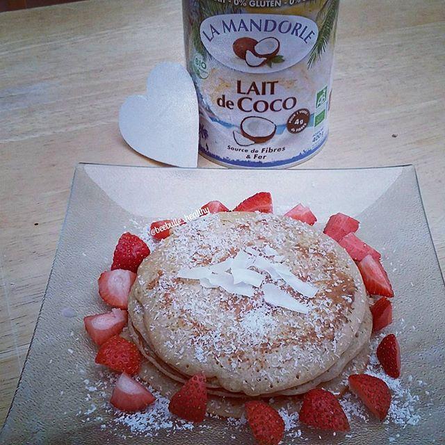 Pancakes au Lait de Coco La Mandorle #sansgluten & #sanslait  Crédit photo : notre partenaire Instagram @beebulle_healthy