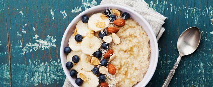 Mijn 5 beste havermout ontbijtrecepten in één artikel! Lees waar havermout goed voor is en hoe je het kunt gebruiken als ontbijt of lunch.