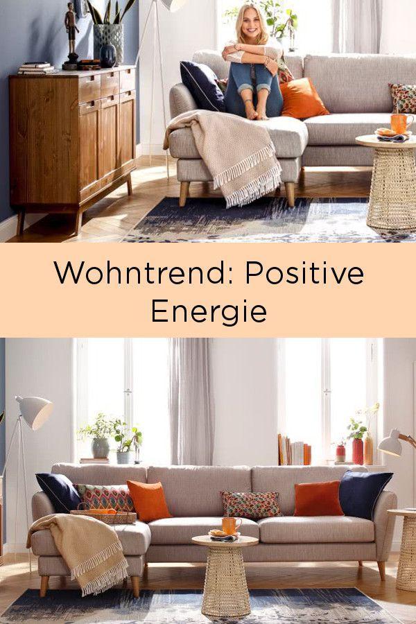 Der Wohntrend verbindet die Komplementärfarben blau und orange - wohnzimmer blau holz