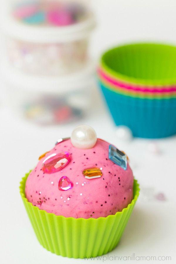 Play Dough Cupcake Factory - Plain Vanilla Mom